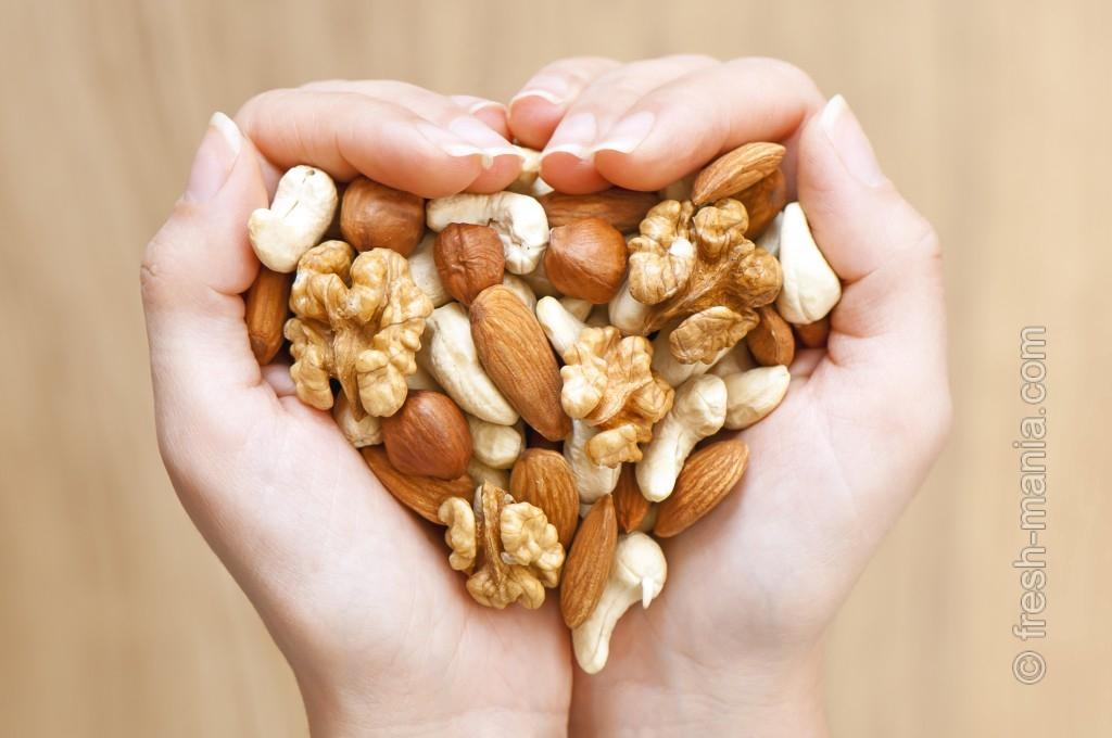 Порция орешков — отличный перекус