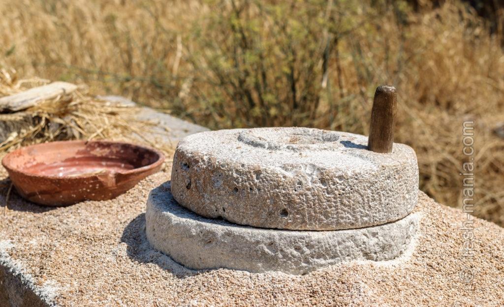 Жерновая мука грубого помола — основа для полезного хлеба