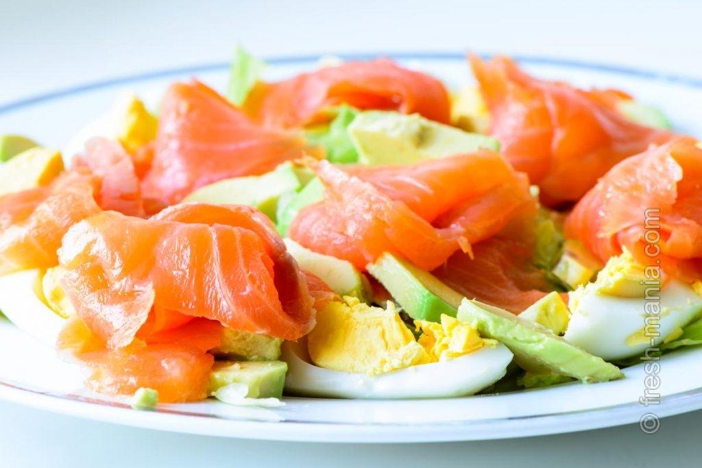 Яйца, авокадо, лосось – полезные продукты для волос