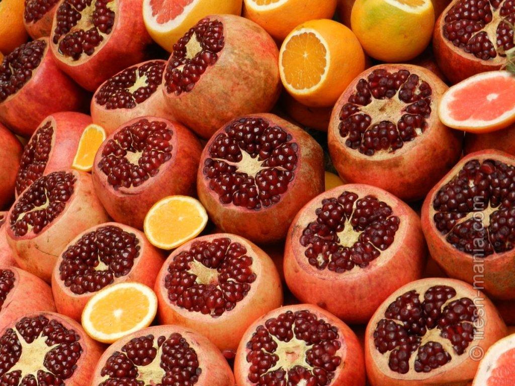 Экзотичные гранаты и апельсины зимой незаменимы