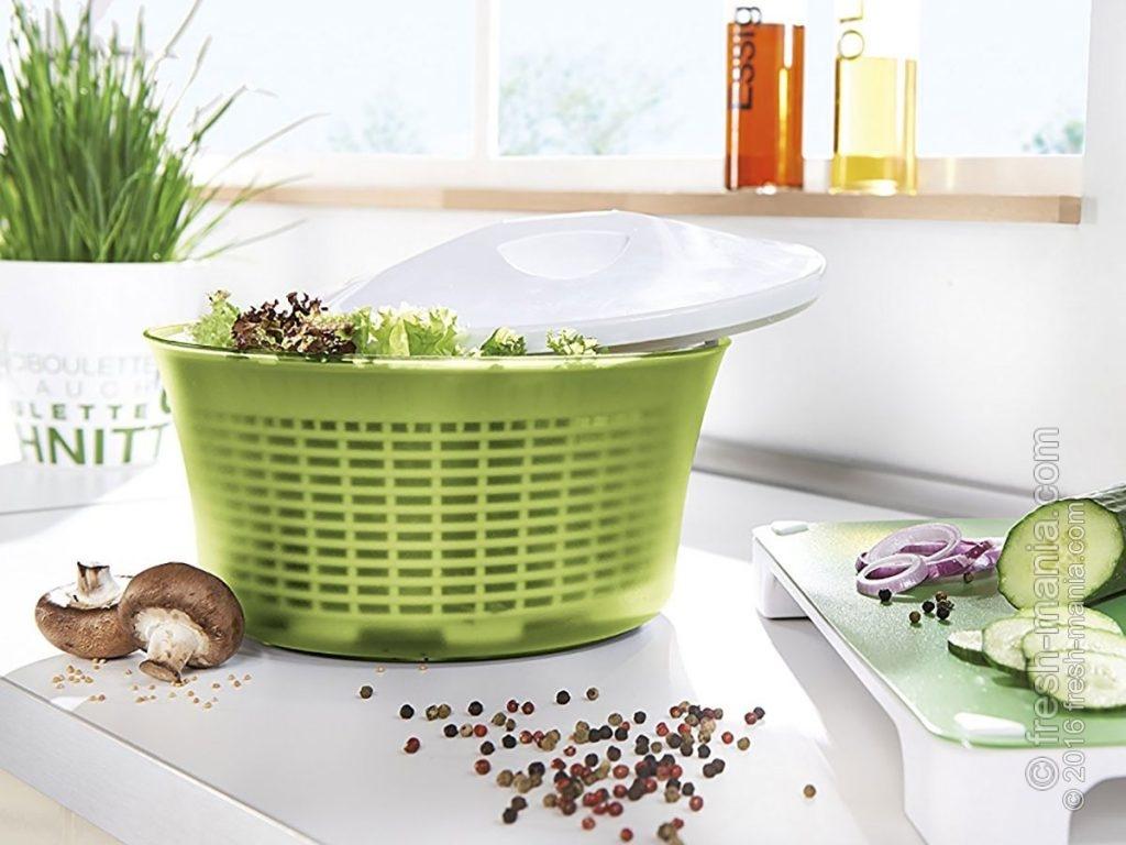 Сушилка зелени и салатов убирает лишнюю влагу в считанные секунды