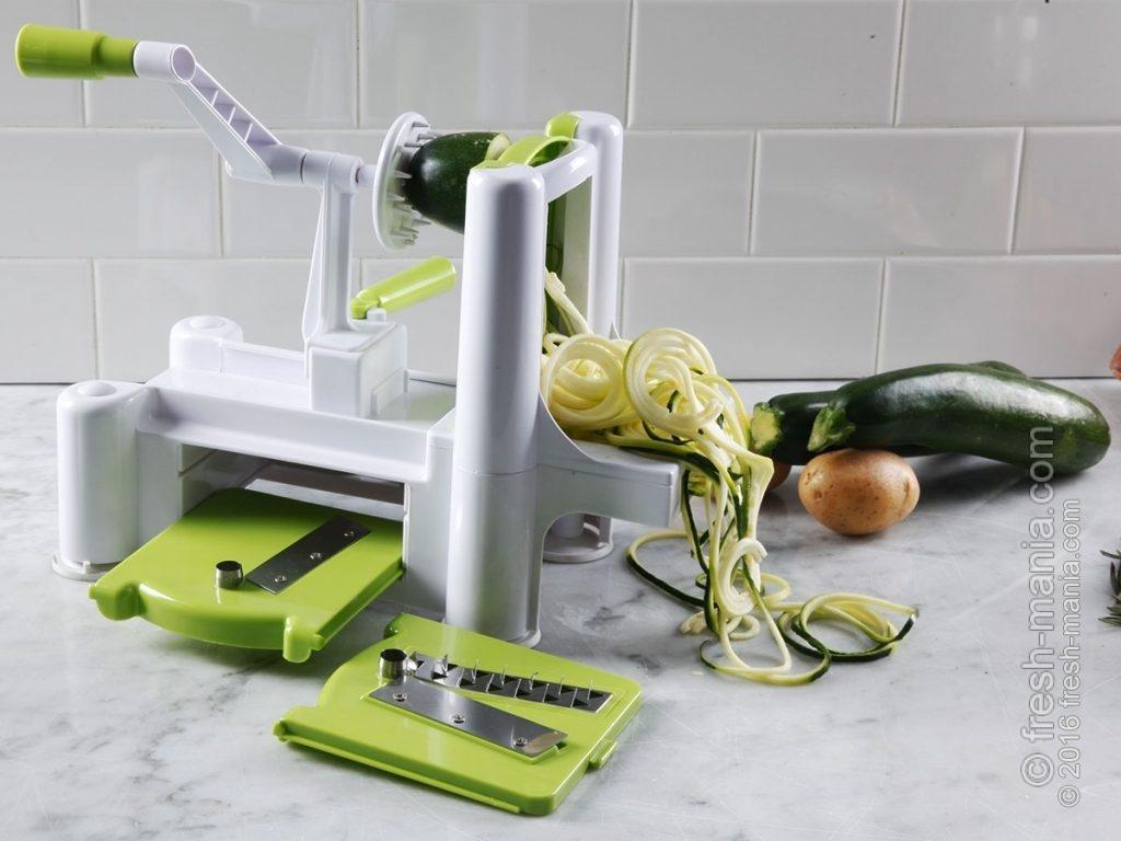 Спируалайзер из овощей и фруктов делает салатные шедевры