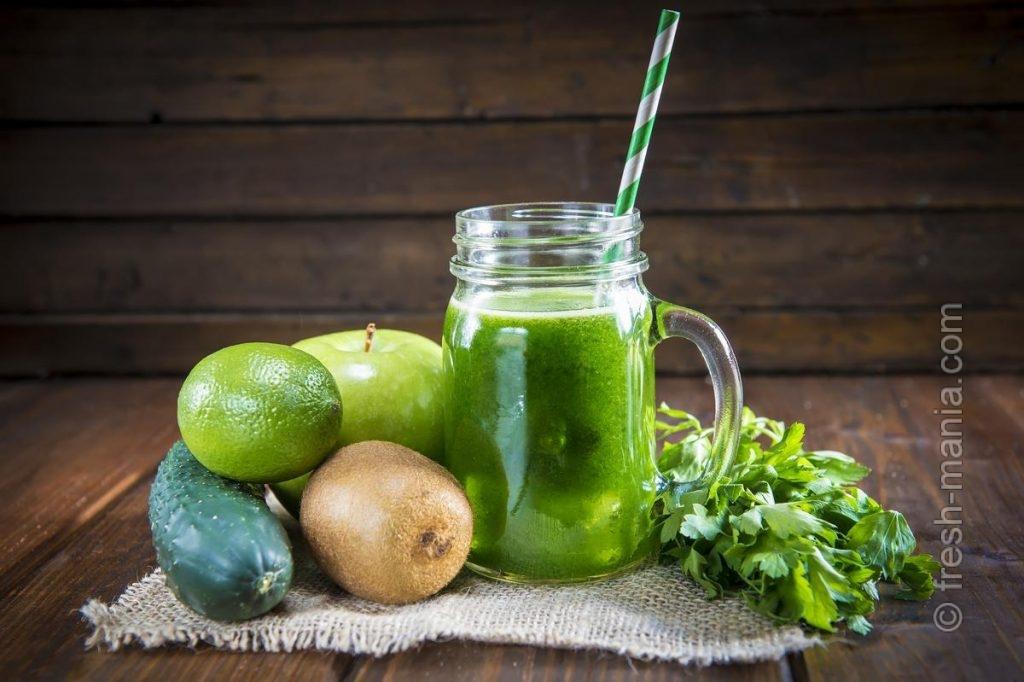 Сочетайте зелень и фрукты в пропорции 2:3
