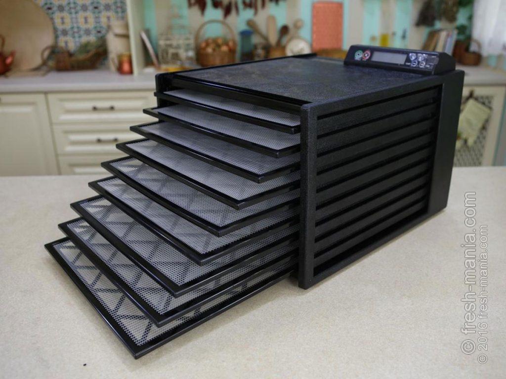 Дегидратор Excalibur 4948 CDFE: все контактирующие с продуктами материалы сделаы из BPA-free пластика