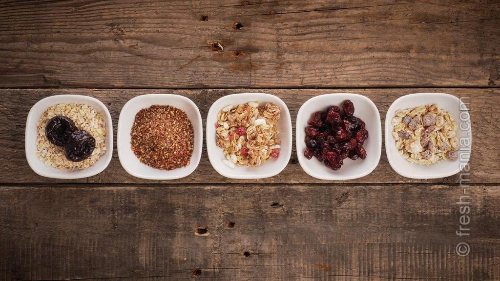 Овсяные хлопья, грецкие орехи и несколько видов семян – питательные ингредиенты