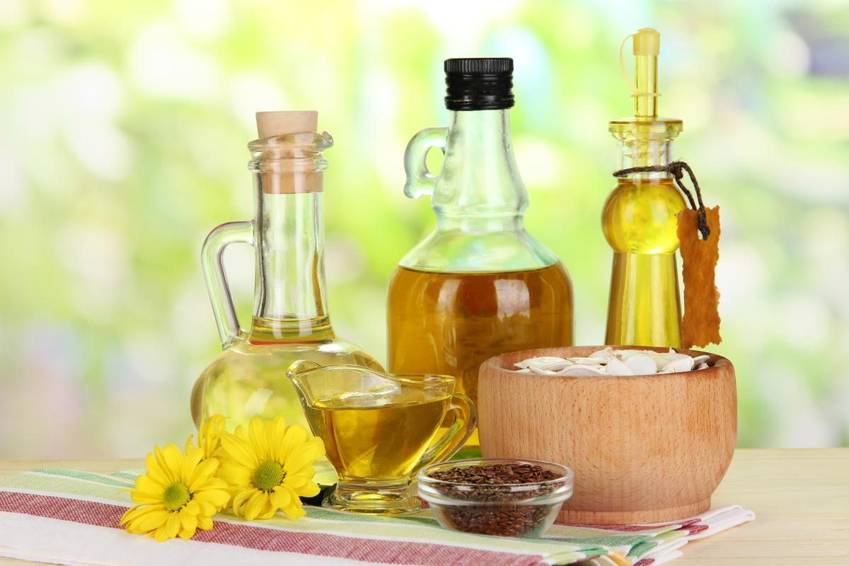 Сыродавленное масло для салатного пиршества и пользы