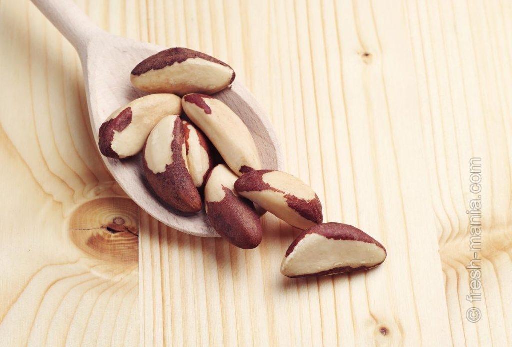 2-3 бразильских ореха в день нормализуют функцию щитовидной железы, а также выведут из организма тяжелые металлы
