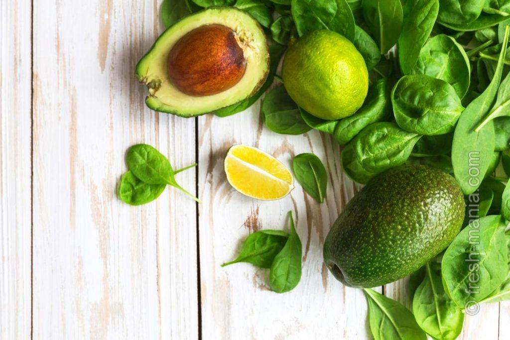 Авокадо фигурирует во многих списках для оздоровления организма и красоты