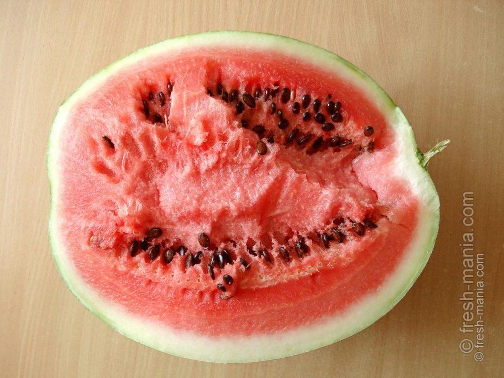 Свежие плоды – максимально подходящая пища для теплого времени года