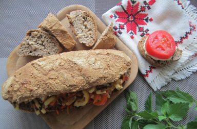 Хлебцы цельнозерновые с овощами и сыром