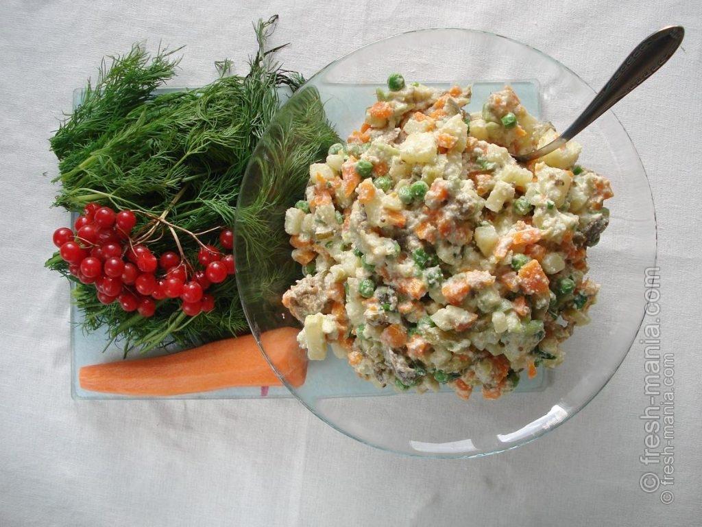 Салат готов, но еще не украшен