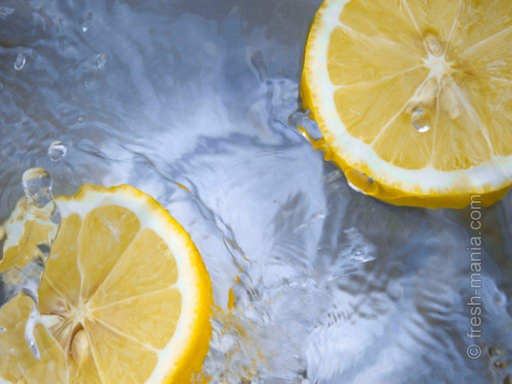 Также обязательно правило №7: пить воду с лимоном по утрам