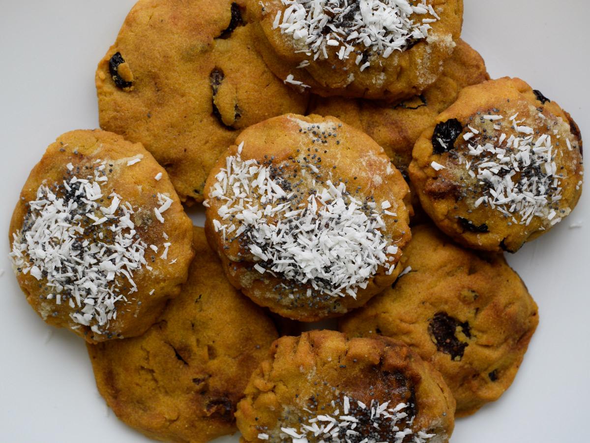Диетическое печенье из кукурузной муки с сухофруктами