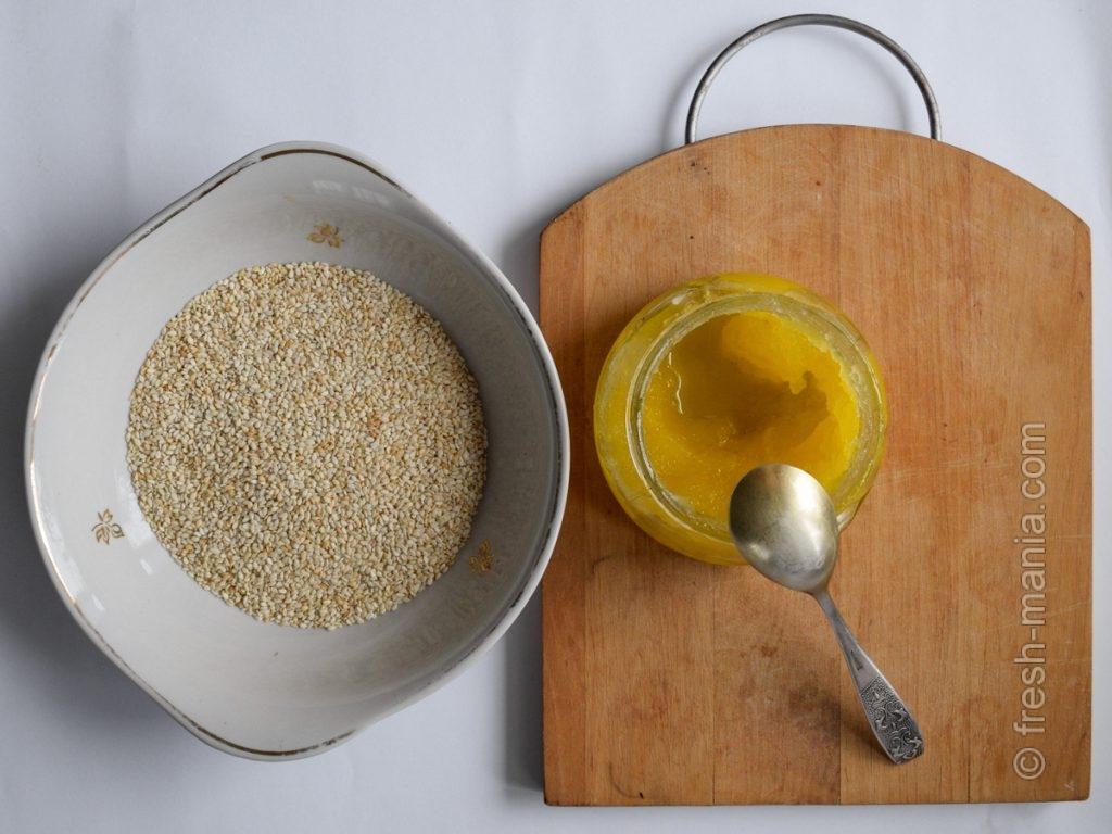 Халва делается из двух основных ингредиентов – кунжута и меда