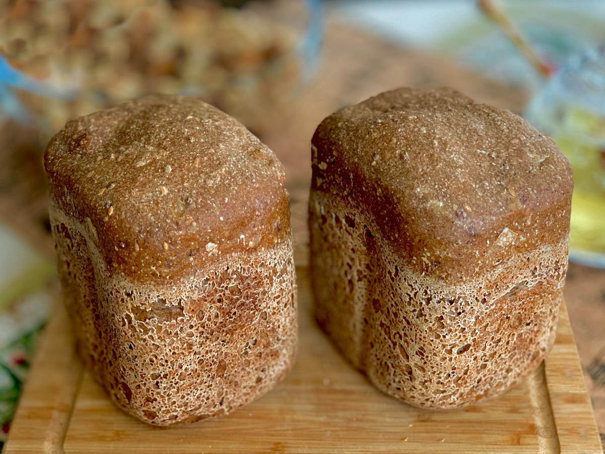 """Рецепт бездрожжевого хлеба для хлебопечки """"Гречнево-ржаной со льном"""""""