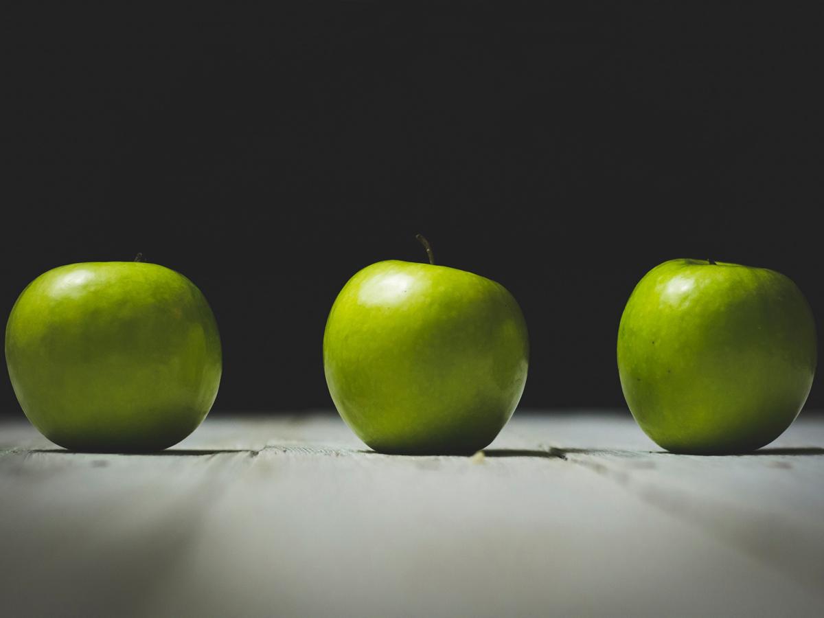 Вся польза зеленых яблок