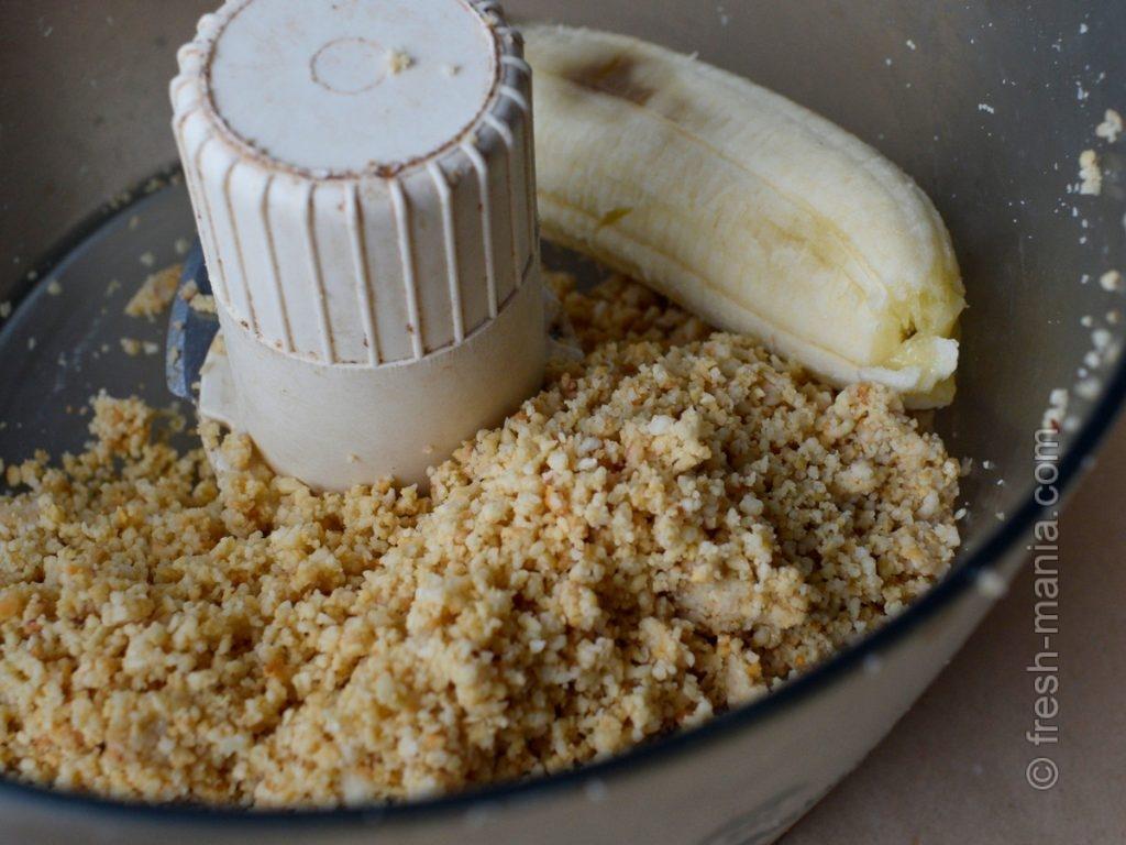 Бананом можно регулировать консистенцию пасты