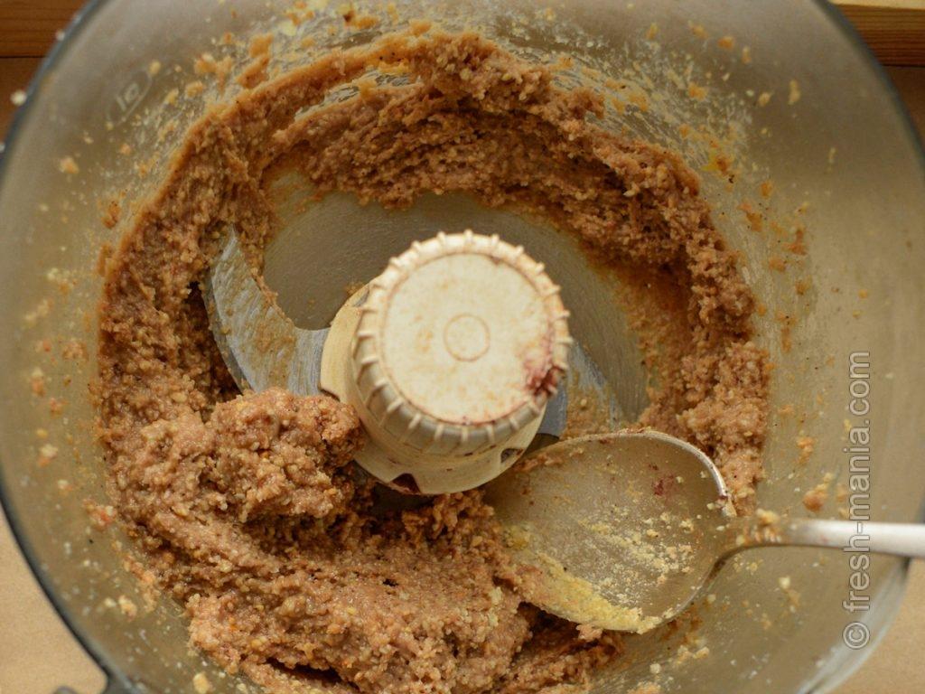 С какао получится шоколадно-арахисовая паста