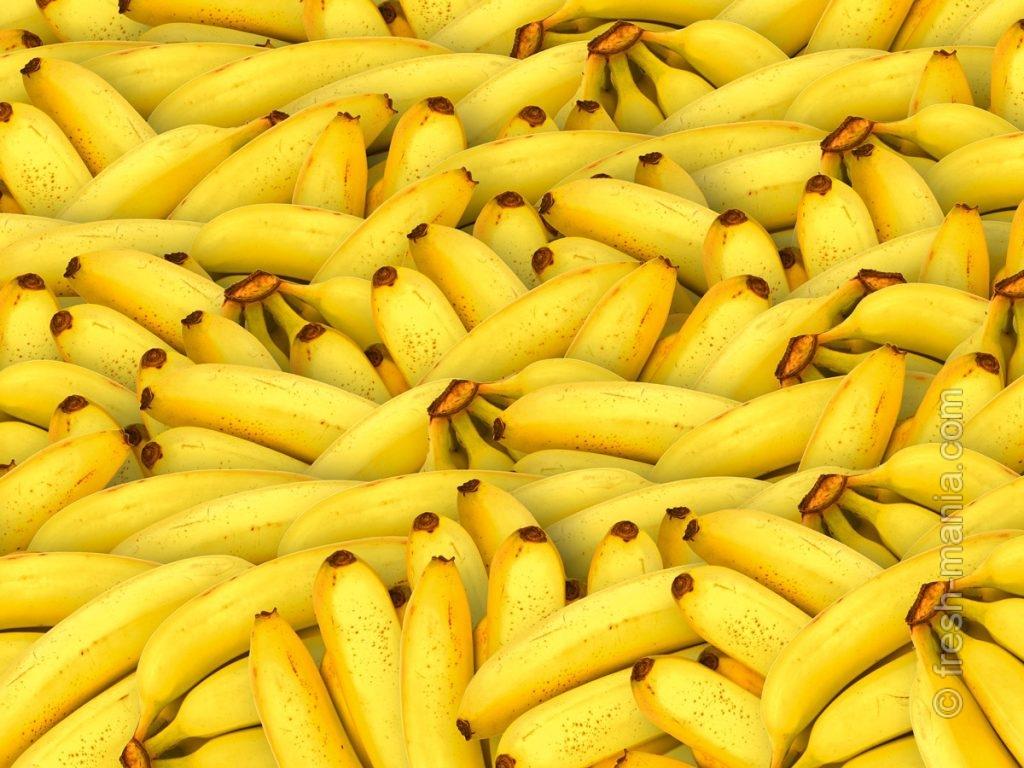 Из-за высокой крахмалистости не сочетайте банан с кислыми фруктами и ягодами