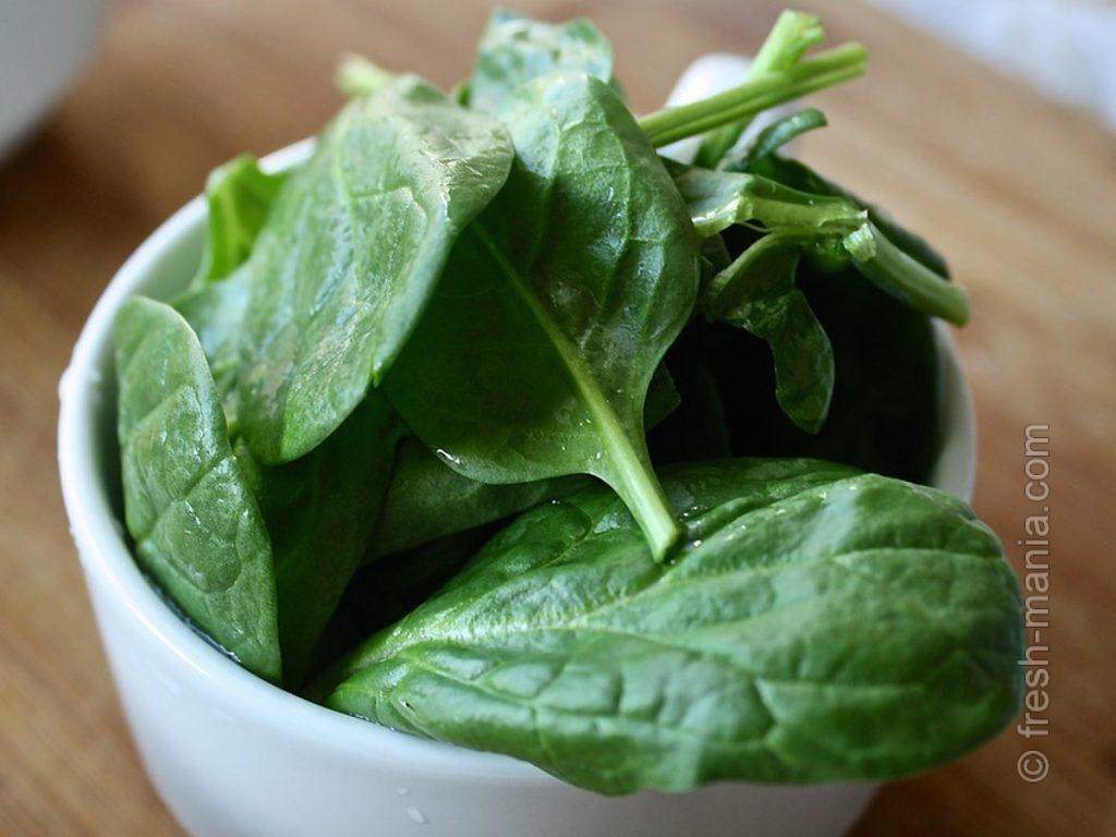 В шпинате содержится ценный лютеин