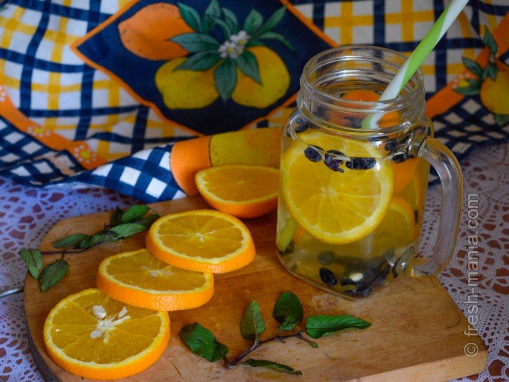 Необычное сочетание жимолости и апельсина в напитке
