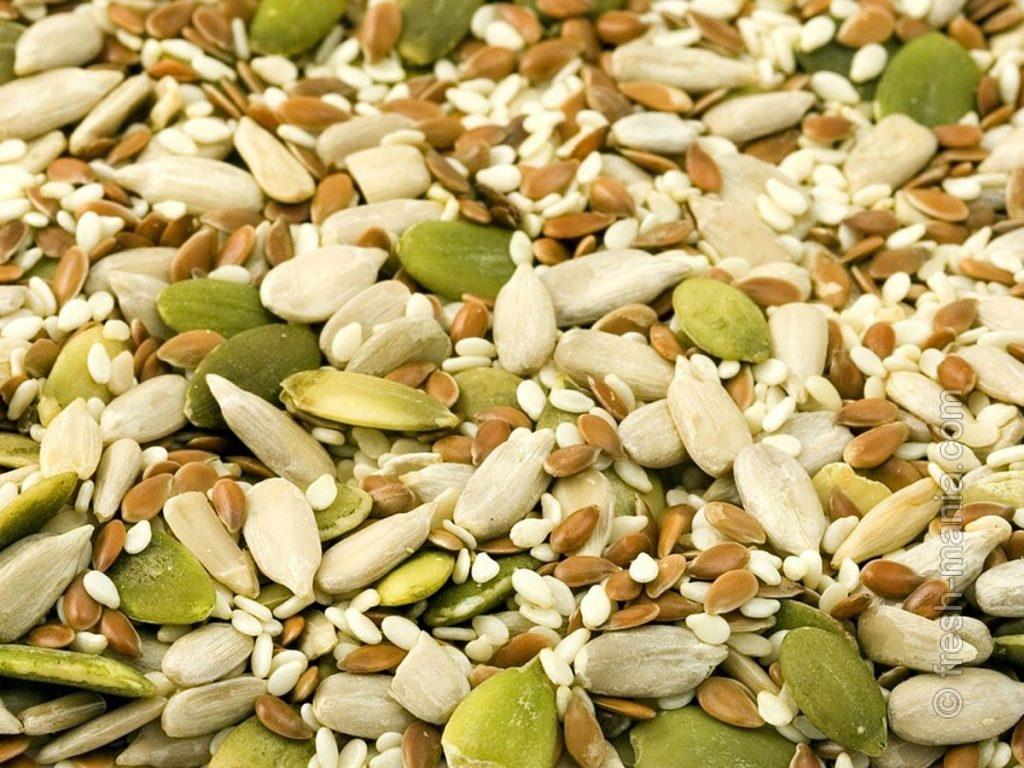 Кунжутные и тыквенные семечки – суперингредиент полезных десертов