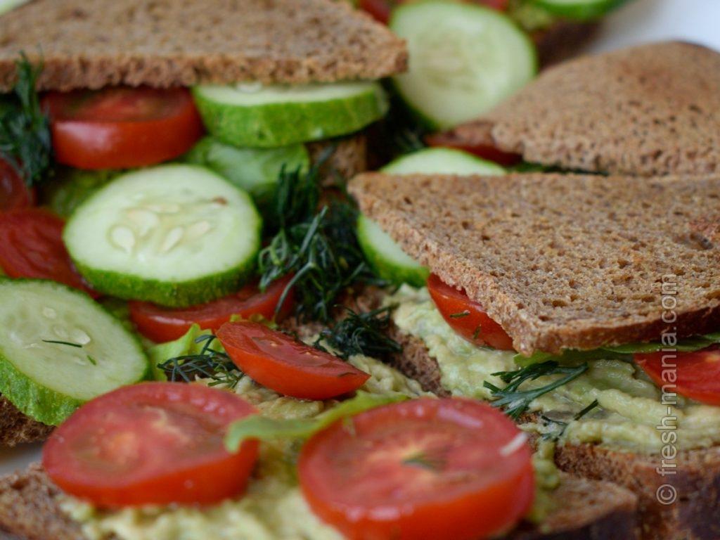 Полезный сэндвич в дорогу