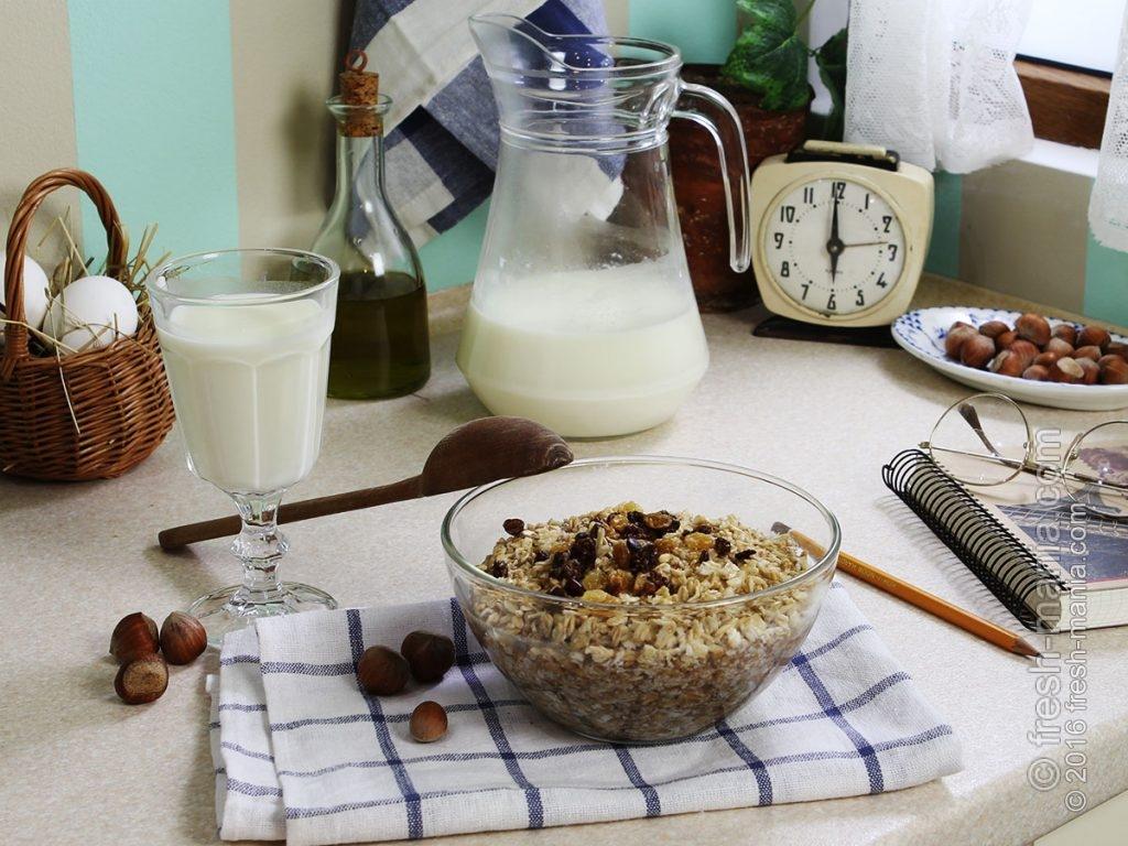Хлопья на завтрак с водой или молоком