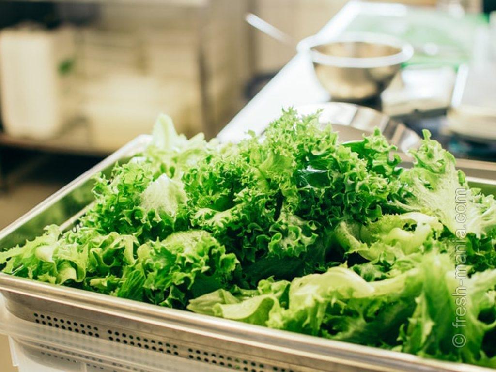 Основа боула – салат Айсберг