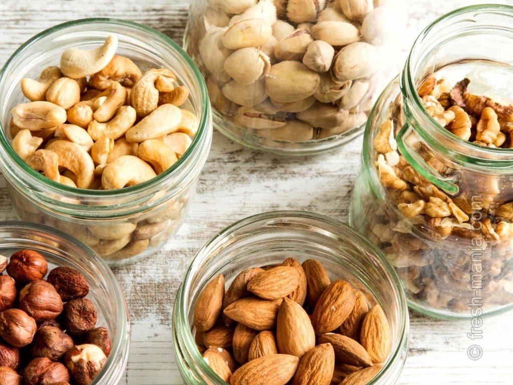 Орехи рекомендованы для кормящих мам