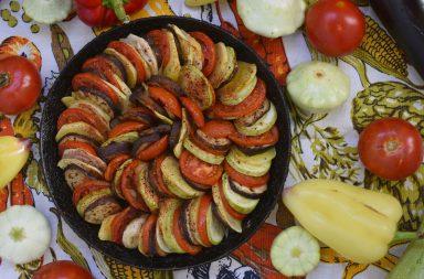 картофель, лук, баклажаны, помидоры, кабачки, болгарский перец, оливковое масло, морская соль