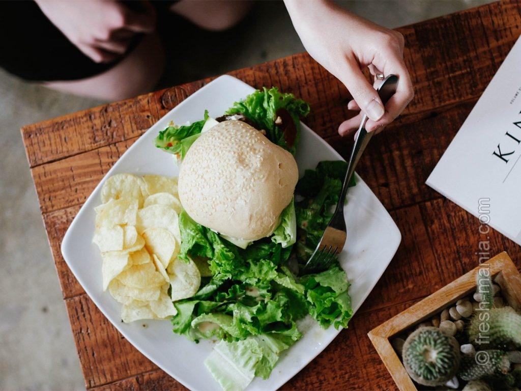 Веджи-бургер с зеленью